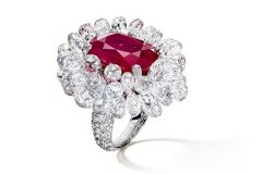 De-Grisogono-Ruby-ring-with-Diamond-briolettes