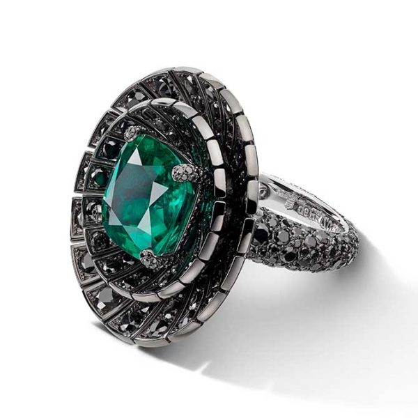De-Grisogono-Black Diamond & Emerald Ring